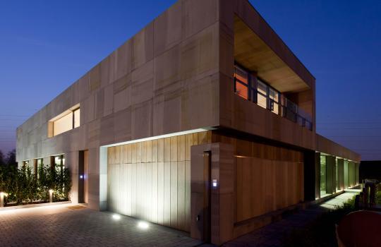 """Belgische Blauwe Hardsteen Gezaagd """"architect: OVG Architecten"""""""