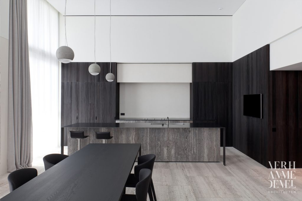 "Travertin Silver/Travertin Titanium ""architect: Verhamme – Devel"""
